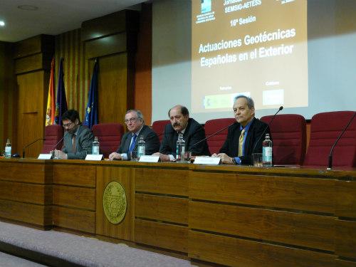 MESA DE DISEÑO - Moderador  Fernando Pardo - SEMSIG (Izda)