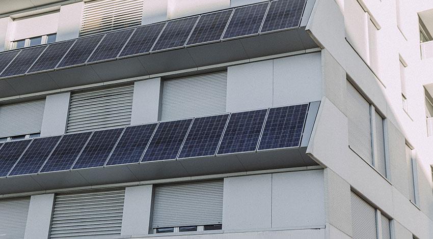 Confort térmico y riesgo de sobrecalentamiento en viviendas EECN