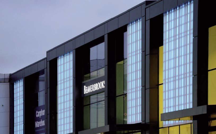 Translúcidas de HI-MACS ® iluminan una fachada en Edimburgo