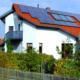 Casa con planta fotovoltaica
