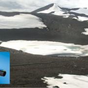 Antártida vista aérea y sección de una canalización de Uponor de Ecoflex
