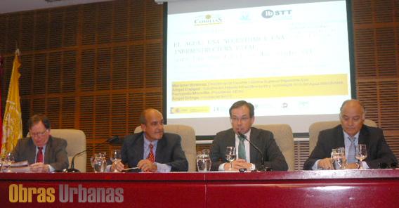 Mesa Inaugural, de derecha a izquierda: Ángel Cajigas, Mariano Ventosa, Ángel Ortega, Fernando Morcillo