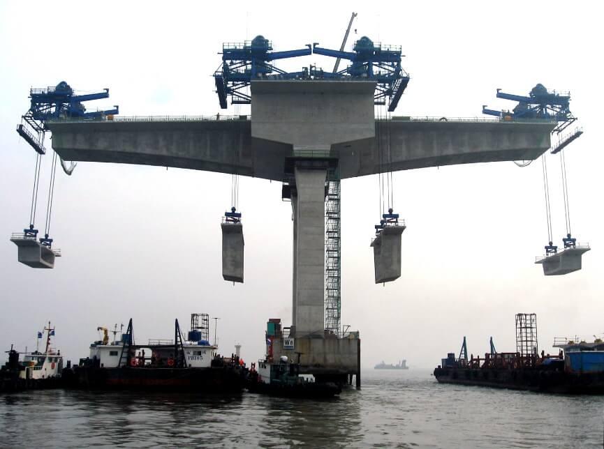 Construcción de un puente off-shore mediante el empleo de cajones prefabricados de hormigón para la formación del tablero