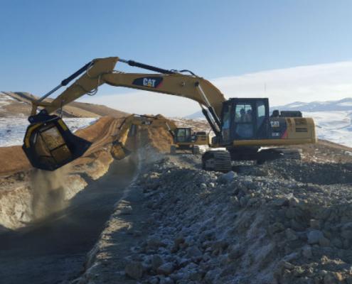 Cucharas cribadoras MB trabajando en el oleoducto SCP del Cáucaso del Sur