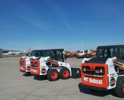 14 Cargadoras compactas Bobcat S450 en el aeropuerto de Madrid