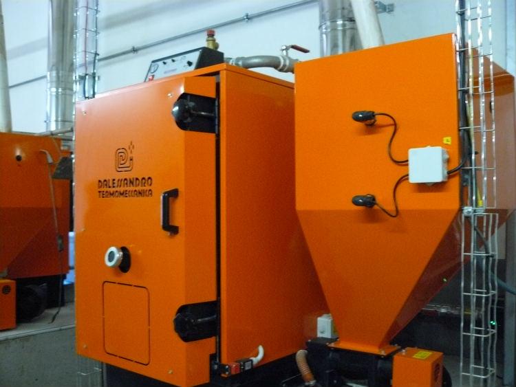 Instalación fotovoltaica híbrida Fronius-Victron Energy en CETOSA