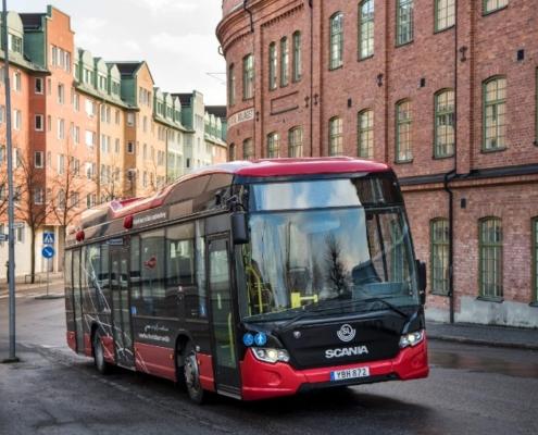Tecnología BOMBARDIER PRIMOVE en la primera línea de autobús de carga inductiva de Escandinavia