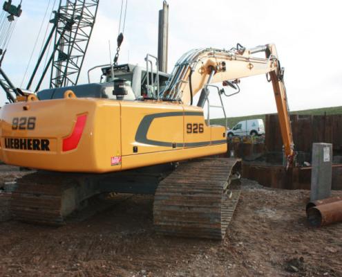 Excavadora sobre cadenas R 926 de Liebherr trabajando en Texel
