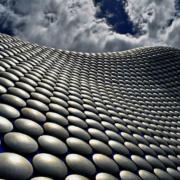Cinco cualidades del aluminio que le hacen conferir espectacularidad a la arquitectura