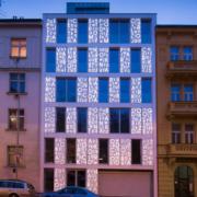 HI-MACS ilumina la poética fachada Bieblova en Praga