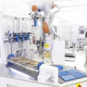 Thales Alenia Space lanza el nuevo robot colaborativo de uso múltiple CRATOS