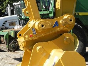 Gama de enganches rápidos y cazos de Arden Equipment