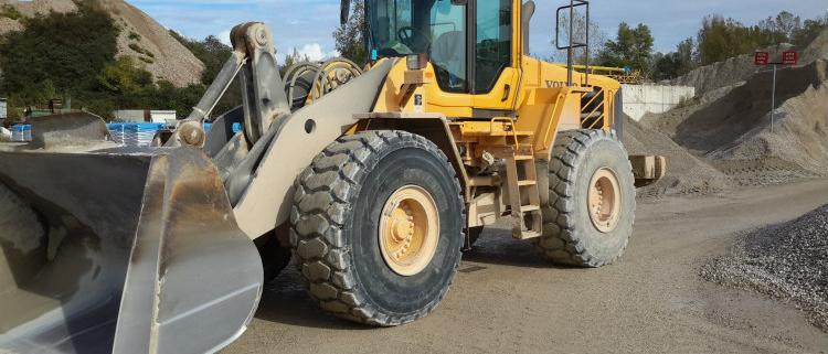 Gamas de neumáticos BKT destinadas para palas cargadoras