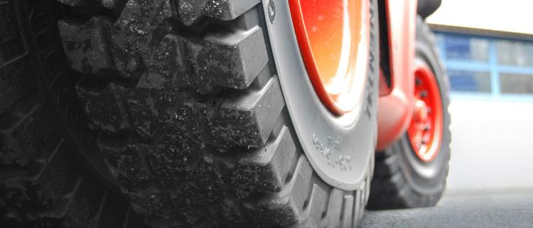 Gama Plus: Continental renueva su gama de neumáticos macizos