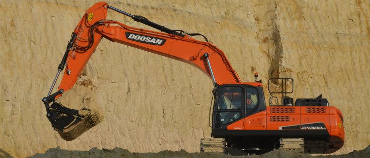 La DX300LC-5 de Doosan gana el premio al menor coste de propiedad
