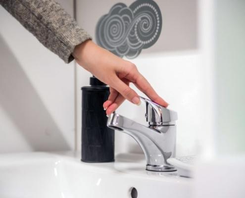 Seis consejos fáciles de Andimac para ahorrar agua en casa