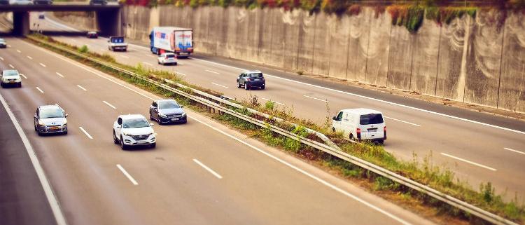 Fomento asume la gestión de las autopistas de peaje R-3 y R-5
