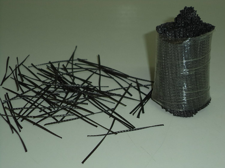 Comparativa entre fibras macro sintéticas estructurales y fibras metálicas