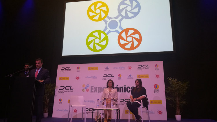 AESA presenta un vídeo sobre el uso lúdico de los drones en la inauguración de Expodrónica