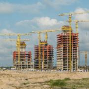 Grúas COMANSA construyen un complejo residencial de lujo en Nigeria