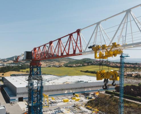 Nueva grúa torre de gran capacidad 21LC1050 de COMANSA