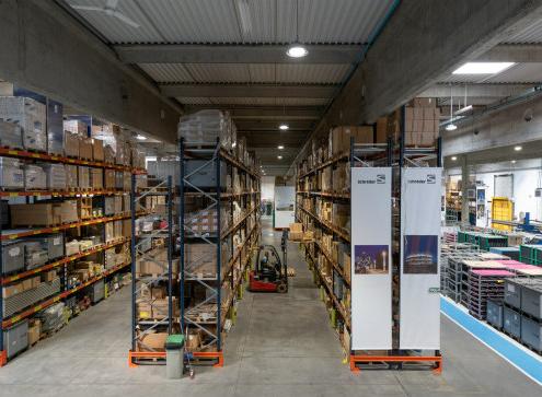 Nueva instalación LED en la fábrica de Schréder Socelec