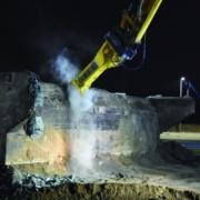 Tres puentes derribados en 48 horas con martillos hidráulicos pesados de Epiroc