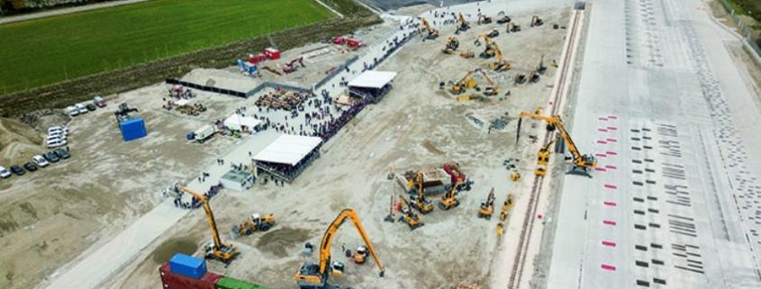 Liebherr inaugura el nuevo centro de desarrollo y demostración en Kirchdorf