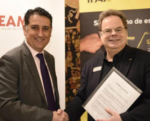 IPAF firma un acuerdo con la Asociación Española ASEAMAC