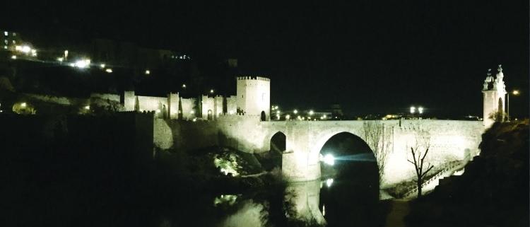 Nueva iluminación conectada para el puente de Alcántara en Toledo