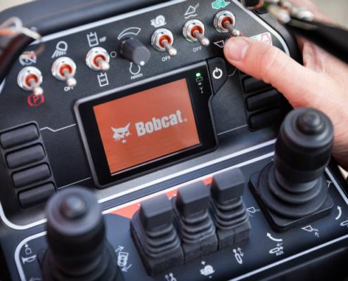 Lanzamiento del nuevo control remoto para cargadoras Bobcat