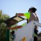 Sevilla mejora la seguridad de los ciudadanos con las farolas solares de Signify