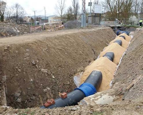 Renovación de las redes de agua potable y saneamiento en el barrio Lakua-Arriaga
