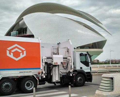 FM5 expone en ECOFIRA su recolector de carga lateral