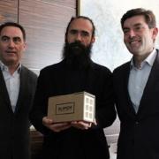 Hispalyt se suma a la fabricación de ladrillos solidarios para reconstruir Alepo
