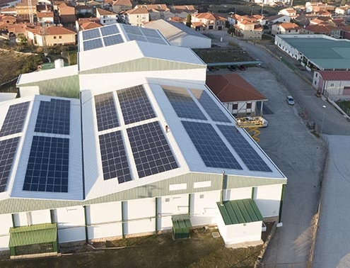 Primera instalación fotovoltaica del sector del Pimentón de la Vera