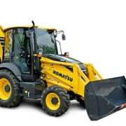 Komatsu España presenta la nueva Retrocargadora WB97R-8
