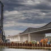 La LB 45 de Liebherr participa en los trabajos de renovación de la autopista A6 que une Praga y París