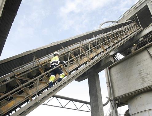 El consumo de cemento cae un 16,5% en el primer semestre del año