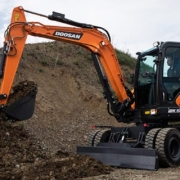 Doosan lanza la nueva excavadora de ruedas DX57W-7 de Fase V