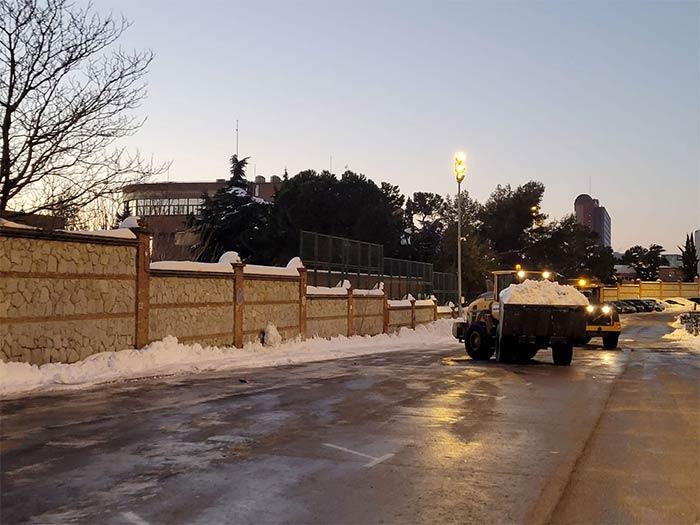 Máquinas de toda España acuden a la capital tras el paso de Filomena - 3