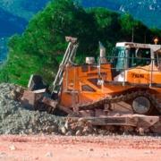 El buldócer Liebher PR 766 participa en la construcción del nuevo eje de la autovía A-27