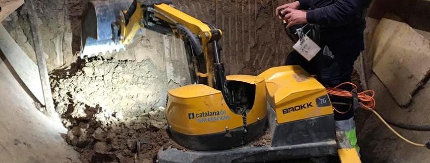 Instalación de tubos por hinca con Brokk 70 en terrenos imposibles
