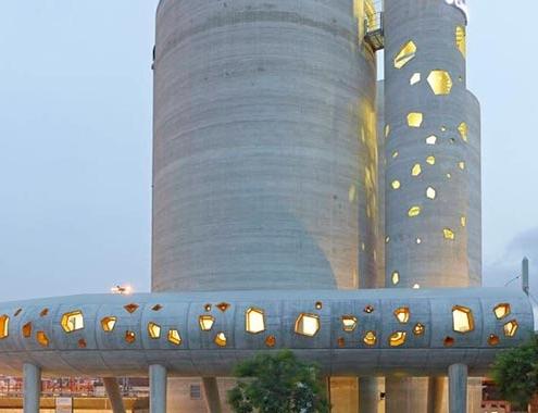 """Silos 13: Un centro industrial transformado en """"escultura urbana"""""""