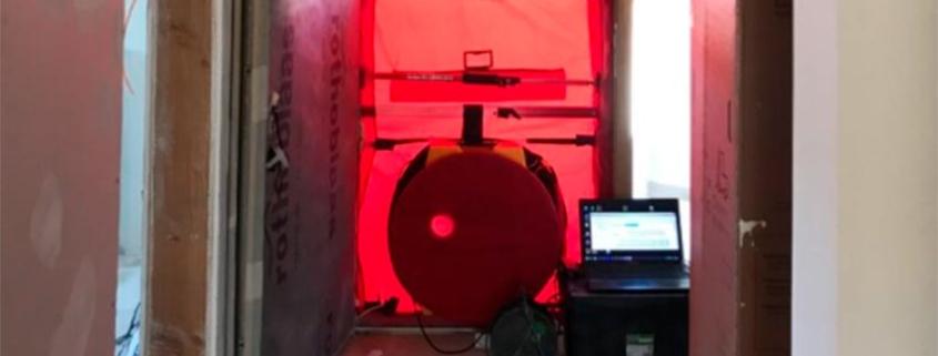 Test BlowerDoor en la fase final en vivienda Passivhaus de Begues