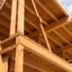 La madera local sustituye al tocho como material para Barcelona