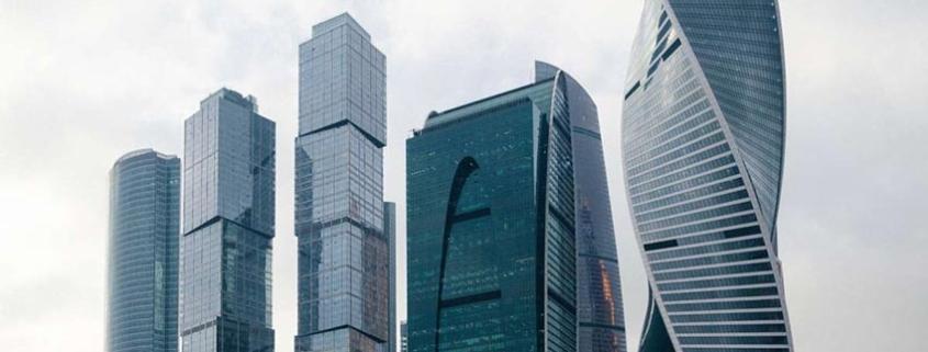 Evolution Tower: Una torre curva de hormigón monolítico