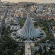 Santuario de la Virgen de las Lágrimas: nuevo tipo de iglesia de hormigón